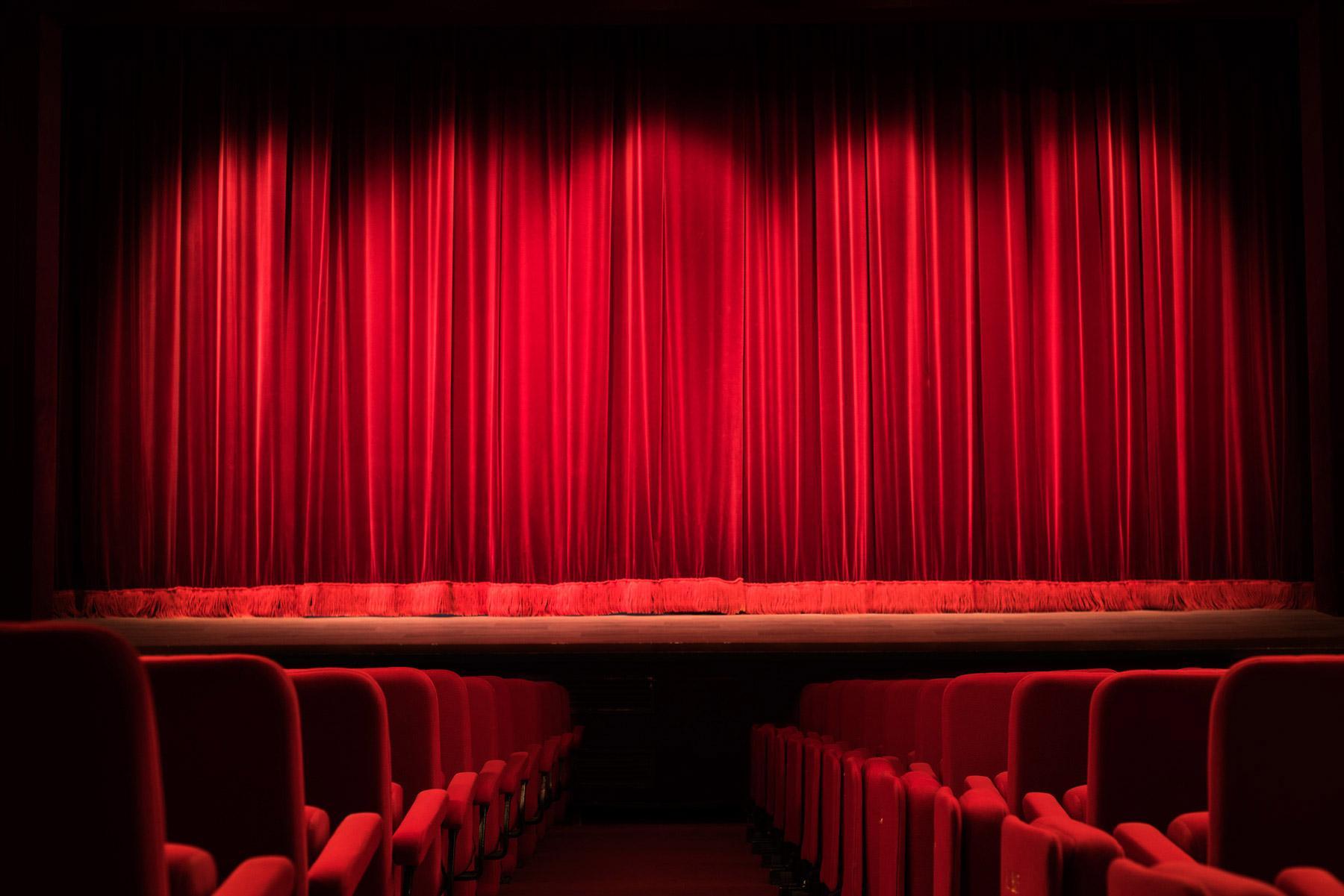 Le théâtre dans les programmes d'enseignement ?