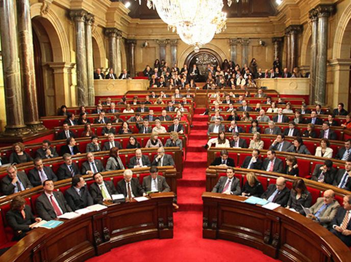 Le Parlement de Barcelone prononce l'indépendance de la Catalogne
