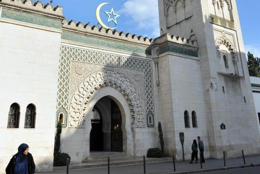 Attaque à Paris : l'Union des Mosquées de France condamne un acte odieux et abject
