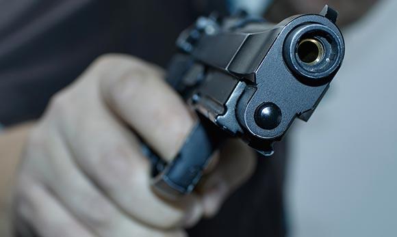 Fès: Un policier fait usage de son arme pour arrêter un criminel