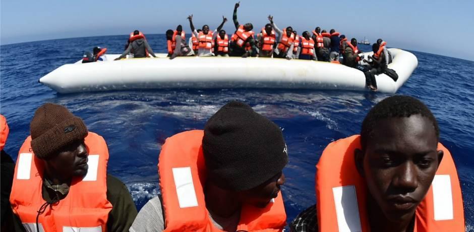 Plus de 470 migrants clandestins sauvés par la Marine Royale en Méditerranée et en Atlantique