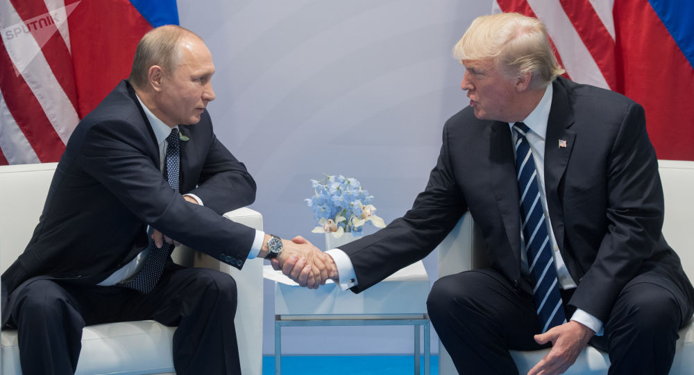 """Week-end """"sportif"""" pour Trump et Poutine avant un sommet délicat"""