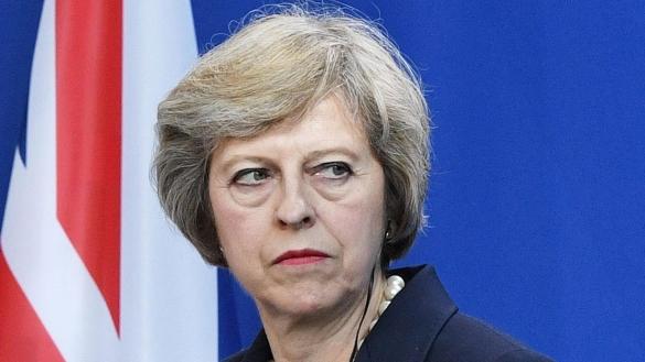 Brexit : Theresa May menace les frondeurs d'élections anticipées