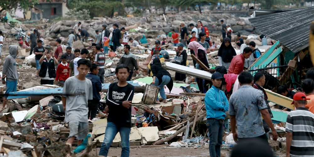"""Indonésie : Le bilan du tsunami """"volcanique"""" monte à plus de 280 morts"""