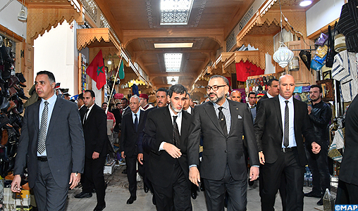 Le Roi fait la tournée des projets lancés à Rabat