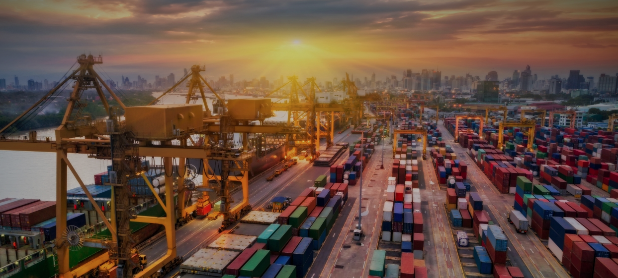 L'économie mondiale entre croissance atone et tensions grandissantes