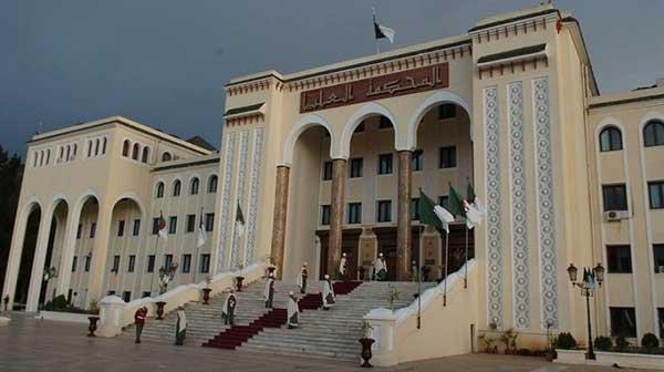 Algérie: Poursuites judiciaires contre les ex-ministres Ould Abbes et Barkat