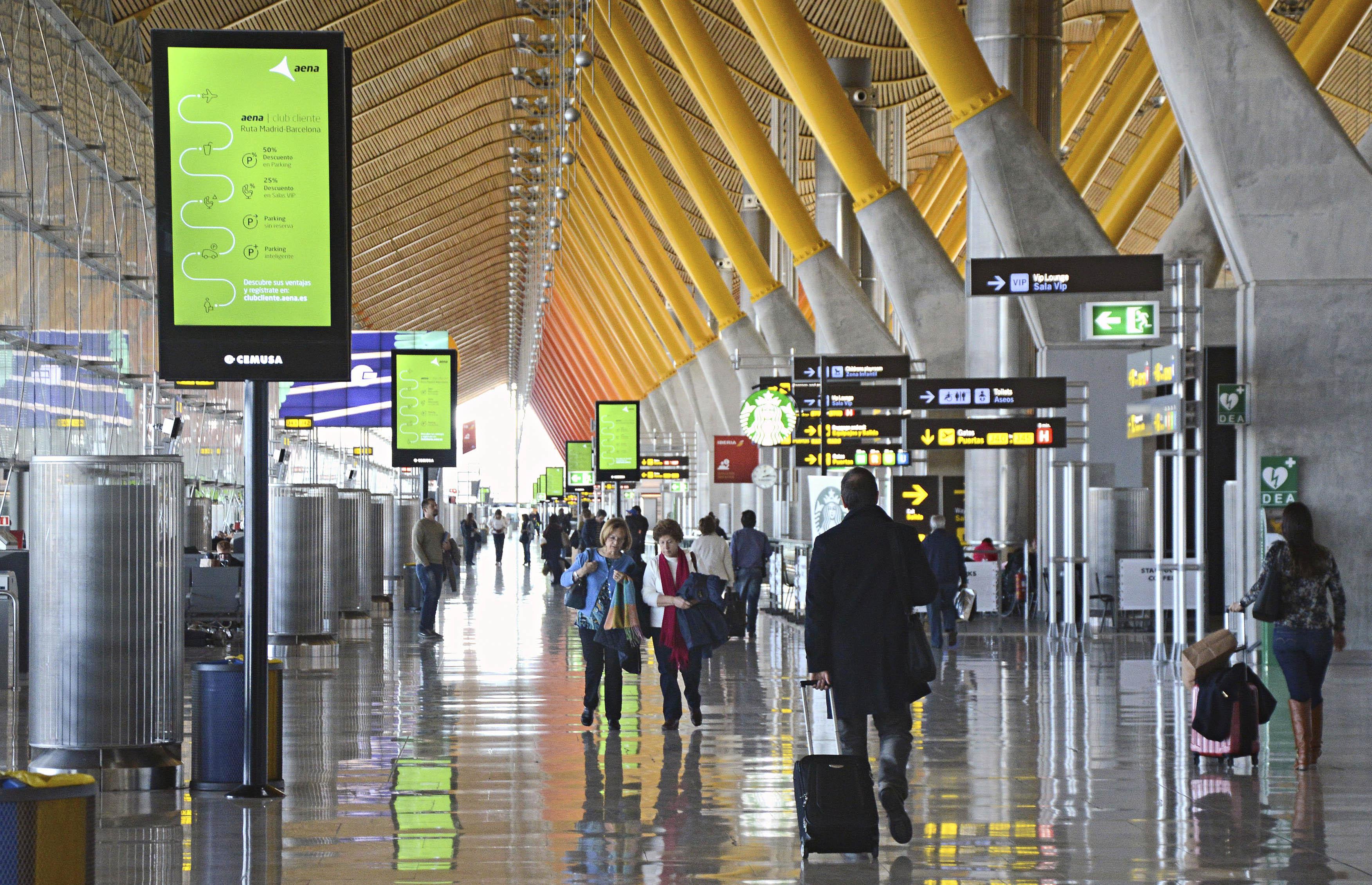 Covid-19 : L'Espagne entend exiger un test PCR pour les voyageurs provenant de pays à risque