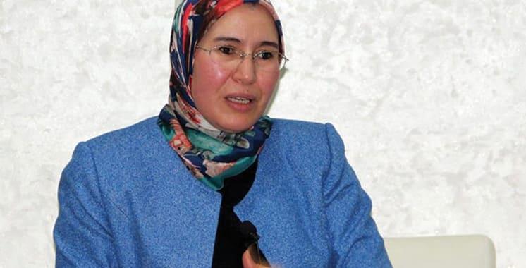 Nezha El Ouafi appelle à la participation des MRE au dialogue de concertation entre leurs représentants et les conseillers régionaux