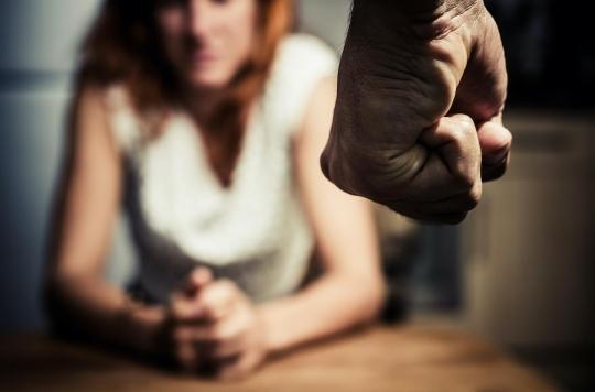 Une femme violentée active perd en moyenne 14 jours de travail par an