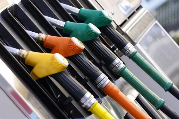 Baisse du prix de l'essence super à partir de demain